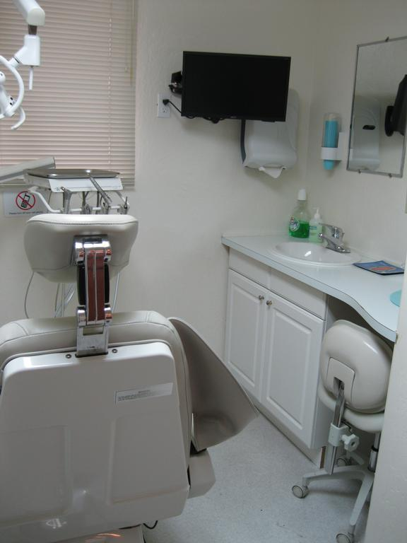 Dental Clinic and dental chair | Vallejo CA Dentist