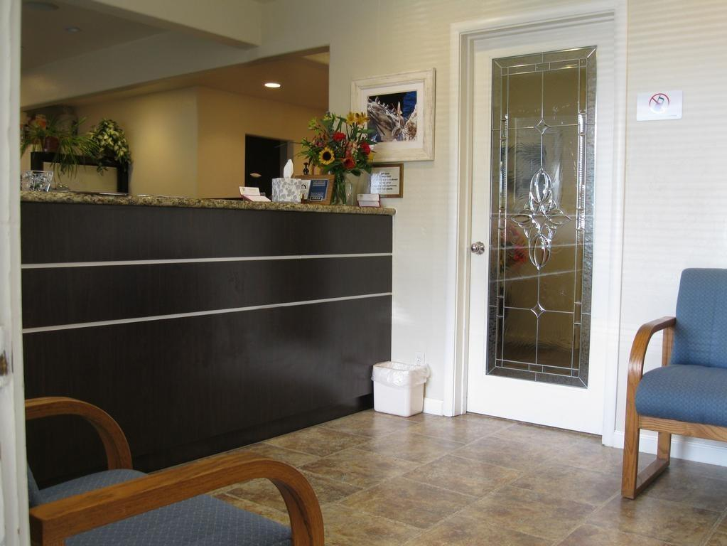 front desk in waiting room | dentist Vallejo CA